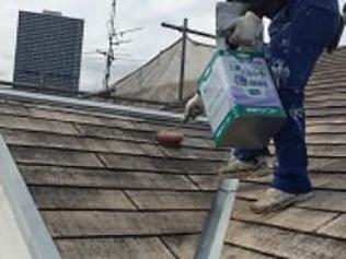 こだわりの「本質主義」株式会社日工屋根シーラー塗り(2回目)